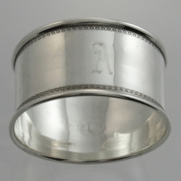 Napkin Ring Sterling Silver | London England c1918 A Initial